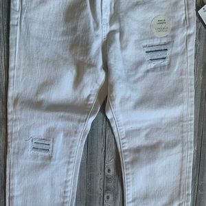 Old Navy Bottoms - Old Navy Distressed Ankle Length Jean